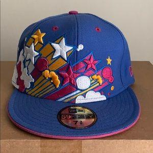 New Era fitted baseball hat. Size 7 3/8.